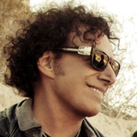 Photo of Neal Schon of Journey